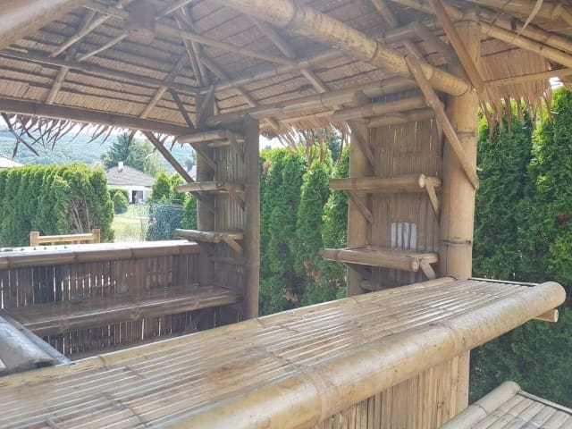 Bar aus Bambus