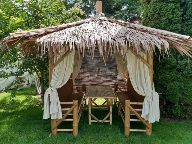 Kombi-Sala mit Tisch als Lounge